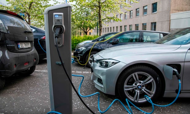Electric cars rise to record 54% market share in Norway